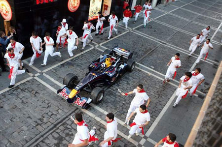 david-coulthard-gira-en-pamplona.jpg